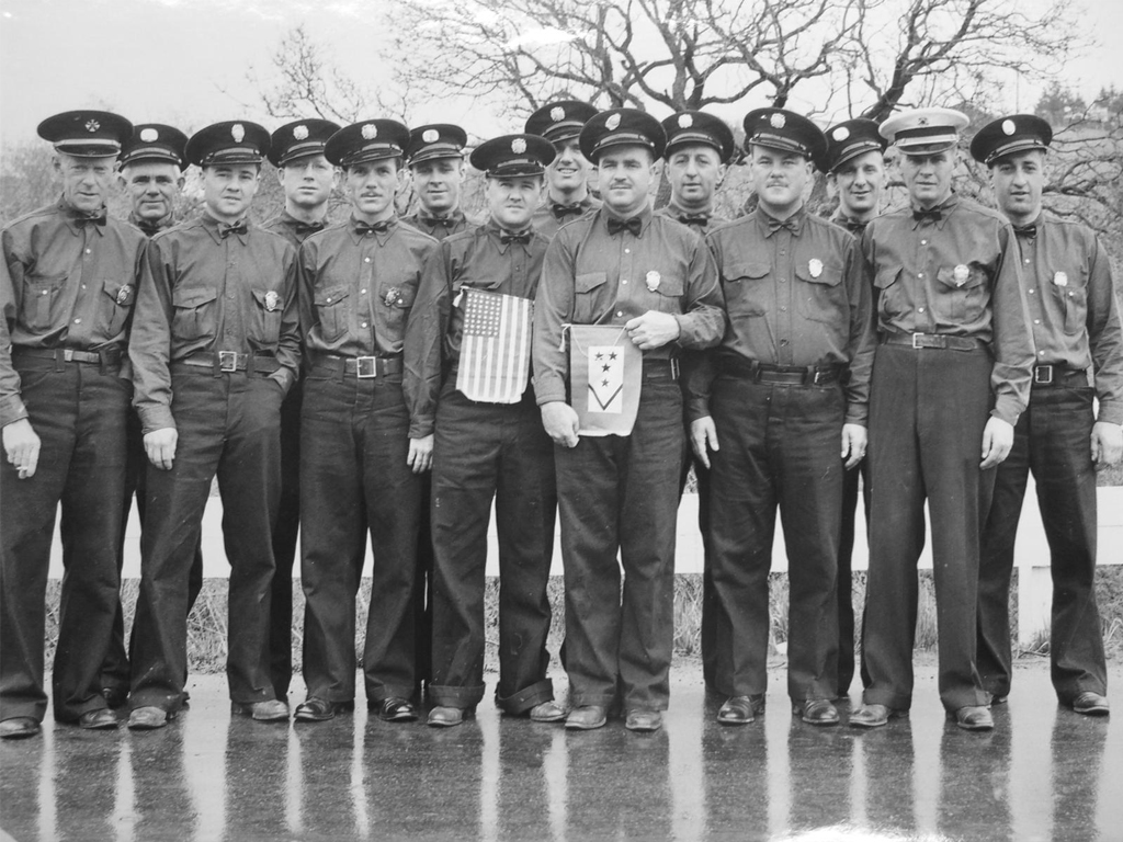 DepartmentGroupPhoto1942